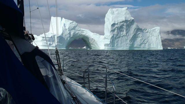 Iceberg. [Marc Decrey - Chamade]