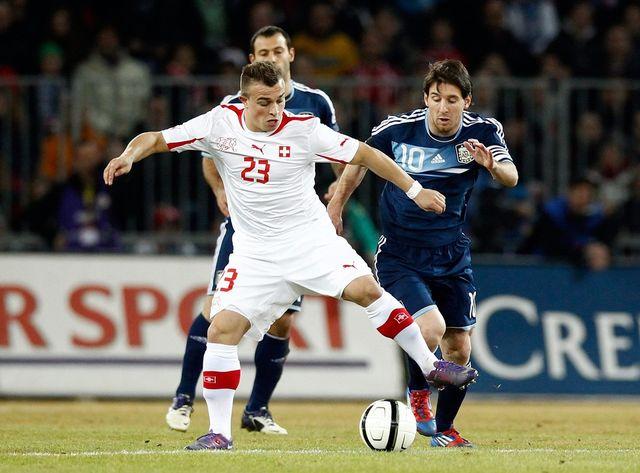 Le duel entre Shaqiri et Messi a tourné à l'avantage du second, auteur des trois réussites argentines. [Keystone]