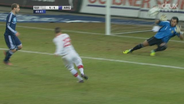Match amical à Berne. 49e minute: Affolter frôle le code et sur le contre, la Suisse égalise par Shaqiri