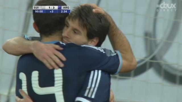 Match amical à Berne. 91e minute: encore le malheureux Affolter. C'est penalty et c'est le 3e but de Lionel Messi (1-3)