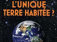 """Couverture du livre """"L'unique terre habitée?"""". [Editions Favre]"""