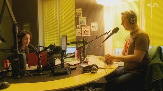 La présentatrice Valérie Paccaud au travail dans l'émission El