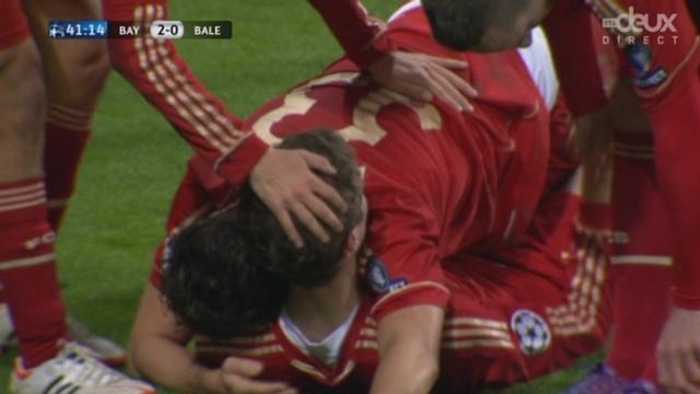(1/8 de finale, retour): Bayern - FC Bâle. Robben sert Gomez pour le 2-0 (42e)