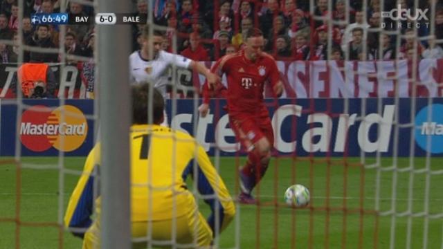 (1/8 de finale, retour): Bayern - FC Bâle. Ribéry s'amuse et sert le 5-0 à Gomez (61e)