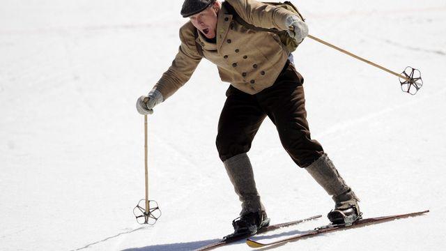 Le Neuchâtelois a disputé sa dernière manche sur le Circuit avec des habits et du matériels traditionnels. [Roland Schlager - Keystone]