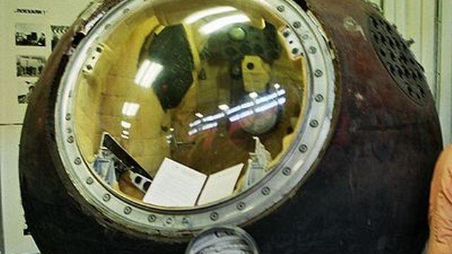 Module de descente de Vostok, vaisseau du premier vol spatial habité. [Wikipédia]