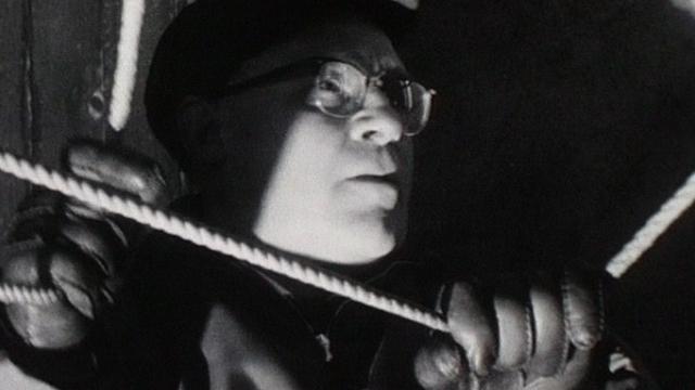 Le carillonneur de l'église de Martigny [TSR 1964]