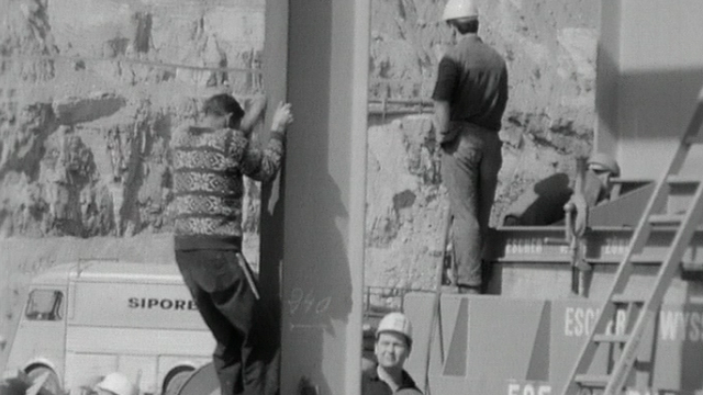 Construction de la centrale de Chavalon. [RTS]