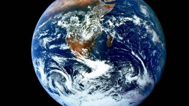 Vue de la planète terre fournie par la Nasa le 6 décembre 2002 [AFP]