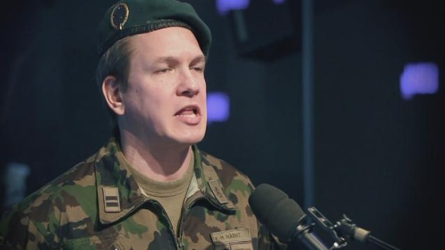Vincent Kucholl dans son personnage du Le lieutenant-colonel Karl-Heinz Inäbnit. [RTS]