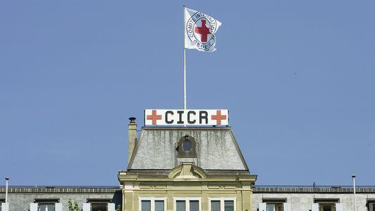 le comit international de la croix rouge f te les 150 ans de sa cr ation monde. Black Bedroom Furniture Sets. Home Design Ideas