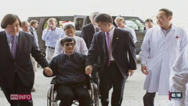 Chine: le dissident aveugle Chen Guangcheng a quitté l'ambassade américaine pour se réfugier dans un hôpital pékinois