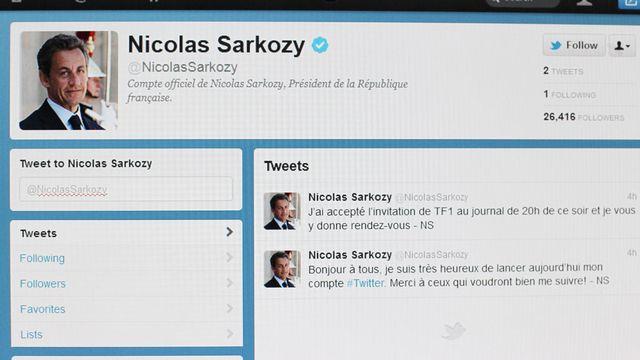 Depuis le début de la campagne, la bataille se joue aussi sur les réseaux sociaux. [Thomas Coex - AFP]