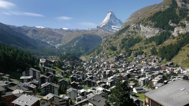Le Valais compte parmi les cantons qui n'ont pas gelé les constructions de résidences secondaires. [Denis Balibouse ]