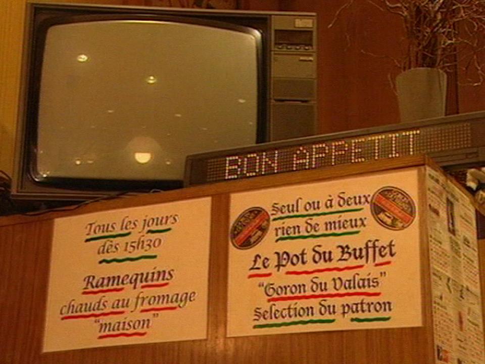 Le buffet de la gare d'Yverdon [TSR 2001]