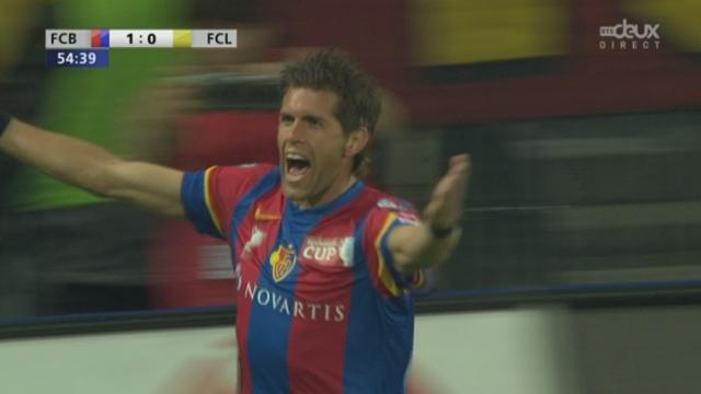 Lucerne - Bâle (0-1). Huggel de la tête et c'est 1-0 pour Bâle à la 55e minute.