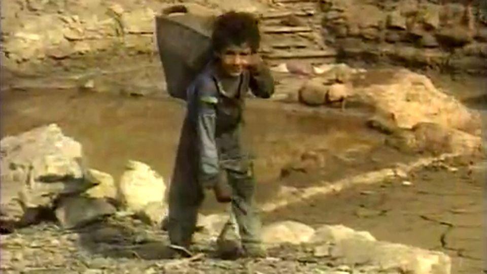 ZOOM: UNICEF TRAVAIL DES ENFANTS [INA]