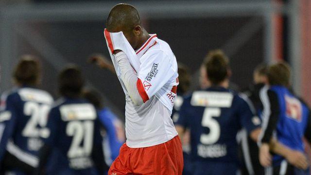 Rien ne va plus pour le FC Sion depuis sa défaite en coupe face à Lucerne et le départ de son entraîneur Laurent Roussey. Il s'agira pour les Sédunois de sortir la tête de l'eau dès ce samedi face à Aarau. [LAURENT GILLIERON  - Keystone]