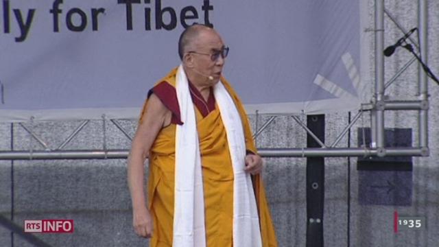 Le chef spirituel de la communauté tibétaine, le Dalai Lama, lance un appel à l'autonomie de la région du Tibet