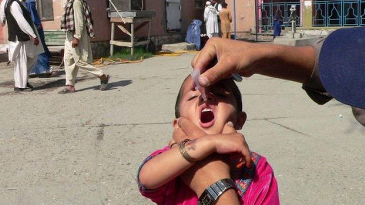 Campagne de vaccination contre la polio à Jalalabad, en Afghanistan, en avril 2012 [AFP]