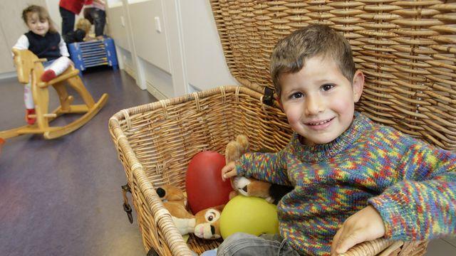 A Genève, le manque de places d'accueil pour la petite enfance est un problème qu'aucun parti ne nie.  [Laurent Gilliéron - Keystone]