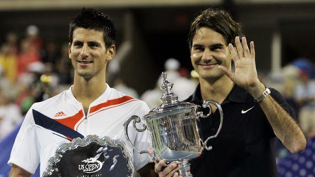 9 septembre 2007. Deuxième rencontre en Grand Chelem. Finale de l'US Open. Roger Federer, 26 ans, remporte son 12e titre de Grand Chelem en battant Novak Djokovic 7-6, 7-6, 6-4. (AP Photo/Elise Amendola) [AP Photo/Elise Amendola - Keystone]
