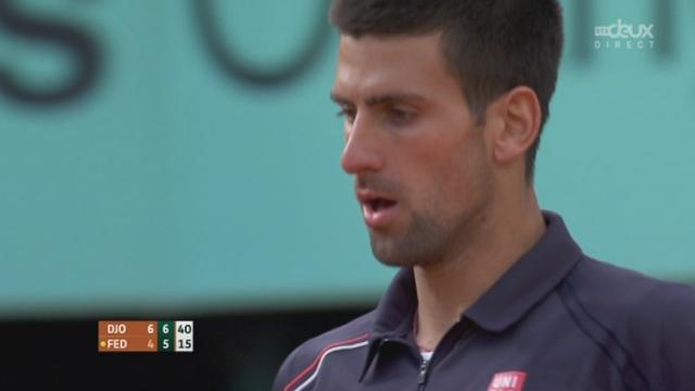 ½ Federer-Djokovic. Roger ne confirme pas les occasions qu'il se crée et s'incline à nouveau dans le 2ème set (7-5).