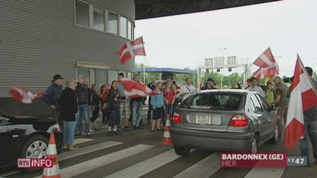 A Bardonnex (GE), un petit groupe d'indépendantistes savoyards a mené des actions de blocage à la frontière entre Genève et la France