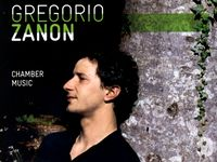 "Gregorio Zanon sur la pochette CD ""Chamber music"". Ses oeuvres sont interprétées par le Quatuor Terpsycordes, Mark Drobinsky (violoncelle), Jocelyne Rudasigwa (contrebasse) and Xavier Dami (piano). [Claves Records]"
