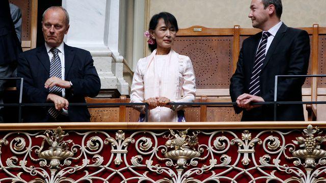 Aung San Suu Kyi a été ovationnée à la tribune du Conseil national. [Ruben Sprich - Reuters]