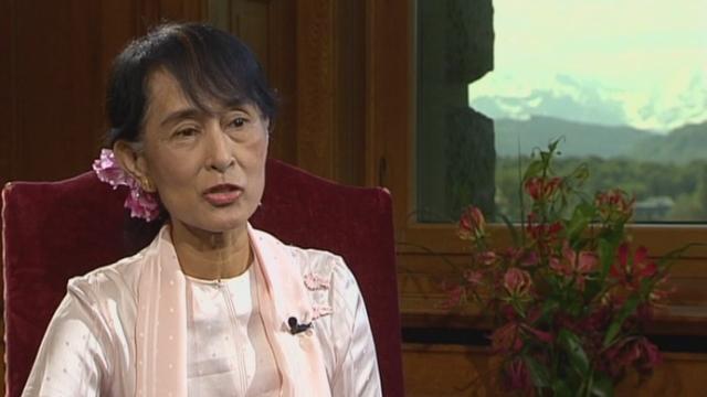 Interview d'Aung San Suu Kyi, opposante birmane et prix Nobel de la paix qui est en visite en Suisse