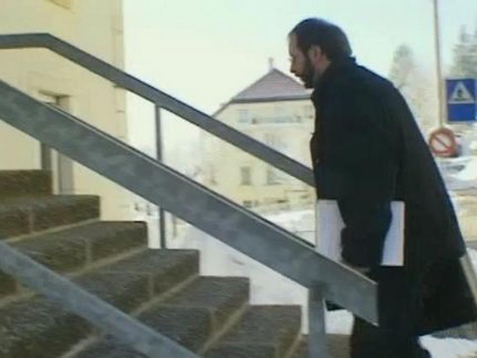 Le docteur Reymond à Neuchâtel en 2000. [RTS]