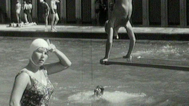 La piscine de Fribourg en 1961 [TSR 1961]