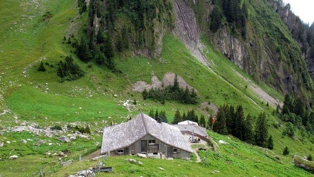 Cabane Bounavaux [www.myswitzerland.com]