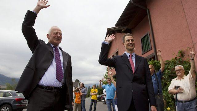 Le prince Hans Adam et son fils Alois ont fait part de leur satisfaction à l'issue du scrutin. [Peter Klaunzer - Keystone]