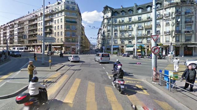 Le quartier de la Jonction à Genève, théâtre du braquage et de l'intervention de la police mardi vers 13 heures. [RTS]