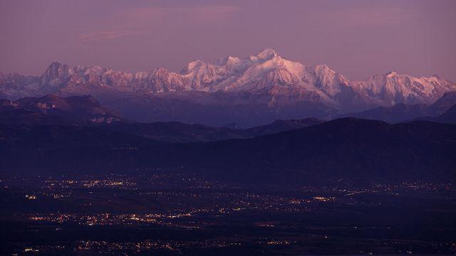 Le massif du Mont-Blanc, où une avalanche a provoqué la mort de 6 personnes jeudi matin. [Keystone]