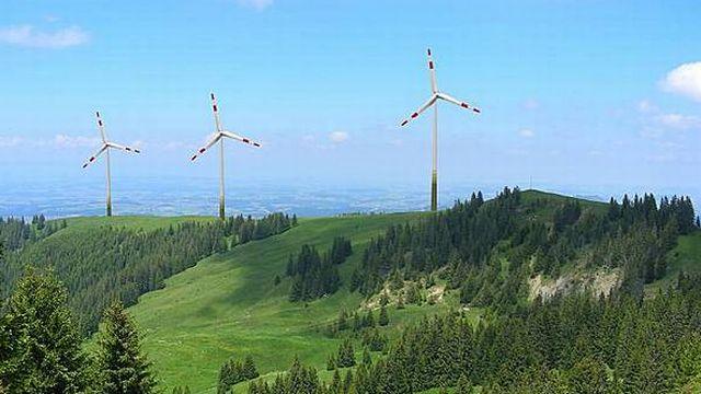 Le projet du Schwyberg prévoit la construction de 9 éoliennes (photomontage) [Schwyberg Energie SA]