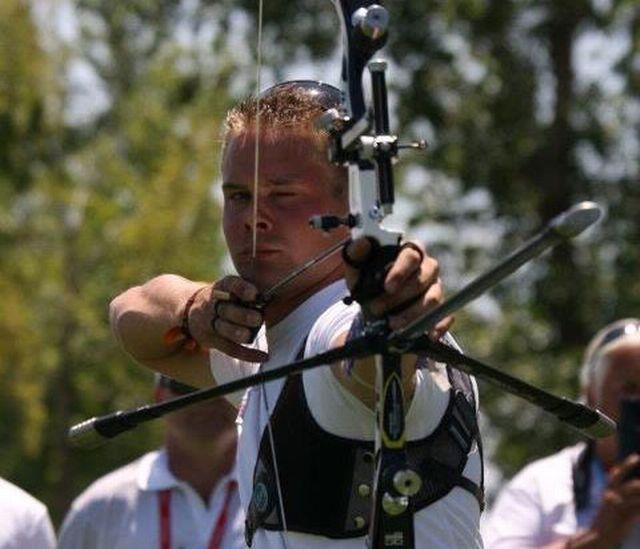 A 20 ans, Axel Müller est déjà considéré comme le meilleur archer du pays. [www.swissolympic.ch - RTS]
