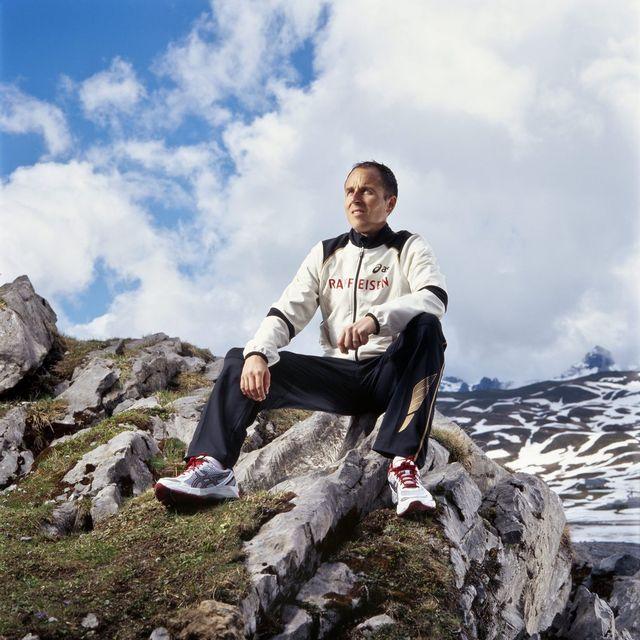Un bon bol d'air des montagnes suisses pour Viktor Röthlin avant le départ pour Londres. [GAETAN BALLY   - Keystone]