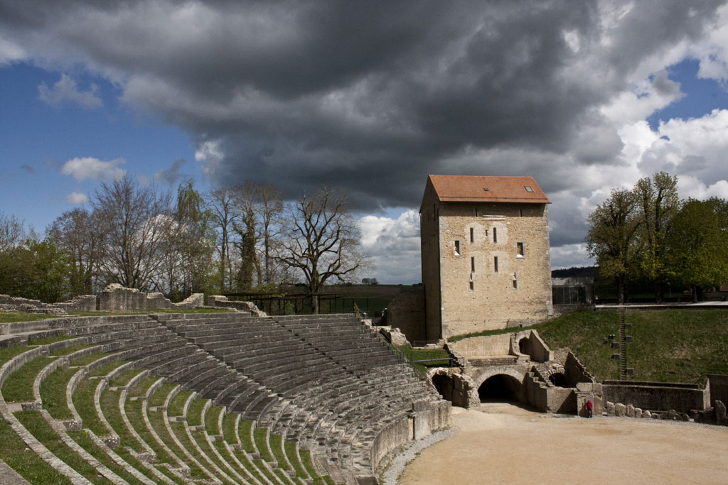 Les majestueuses arènes romaines d'Avenches