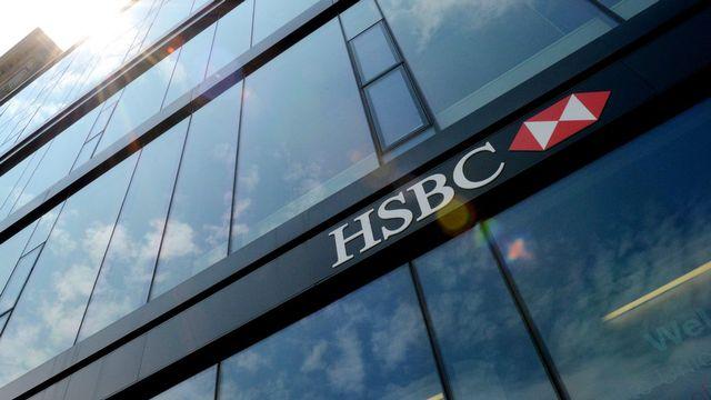 La livraison des employés de banque suisses à la justice américaine suscite de nombreuses réactions tous les jours. [Justin Lane - Keystone]