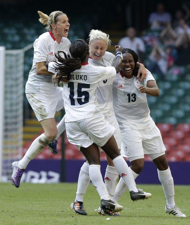 Tout un symbole! L'équipe de Grande-Bretagne a ouvert les feux par une victoire face à la Nouvelle-Zélande. [Luca Bruno - Keystone]