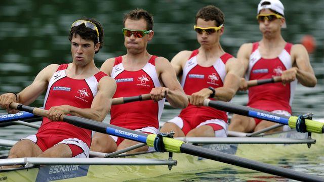Lucas Tramèr (3e depuis la gauche) rêve de ramer vers le podium.  [Sigi Tischler  - Keystone]