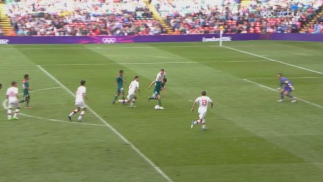 Football: Groupe B: Suisse-Mexique (0-1). Peralta marque l'unique but de la rencontre et élimine la Suisse du tournoi olympique!