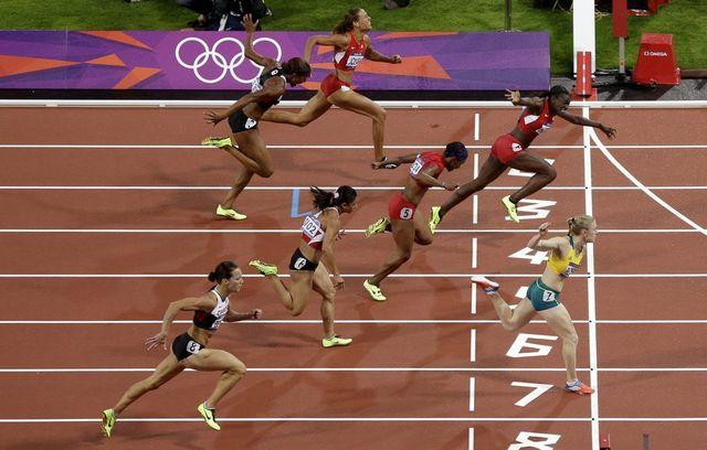 Sally Pearson décroche sa 1ère médaille d'or olympique au bout du suspense.  [Mark Baker   - Keystone]
