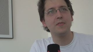 Des Suisses de Londres - Avec Cyril Rebetez. Le Neuchâtelois travaille dans une entreprise qui développe des jeux vidéos.