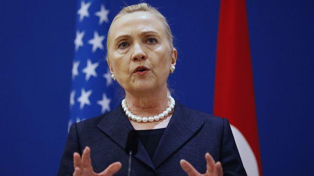 Hillary Clinton a tenu une conférence de presse au sortir des discussions avec son homologue turc Ahmet Davutoglu. [Osman Orsal - REUTERS]