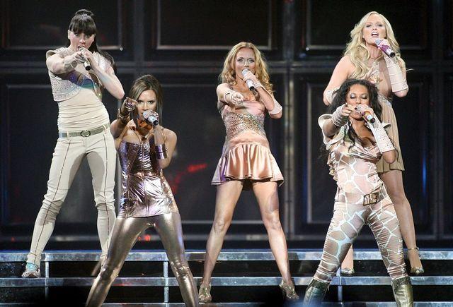 """Les Spice Girls seront juchées sur des """"cabs"""", les taxis noirs londoniens: la presse a publié les photos prises lors des répétitions cette semaine. [Kim Stallknecht - Keystone]"""