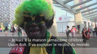 """La Jamaïque terre du sprint: Rencontre samedi après-midi devant la maison jamaïcaine de quelques supporters d'Usain Bolt. """"Bolt? Oh mon Dieu, c'est un véritable héros. Avant on avait Bob Marley, maintenant on a Usain Bolt"""""""